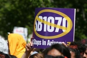 Por quinto año miles de personas rechazarán una vez más la implementación de la SB 1070. Foto: AP