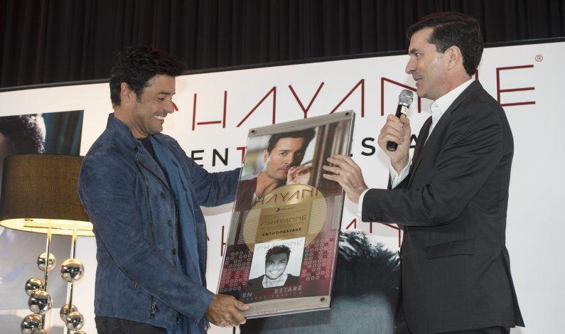 Chayanne recibe Disco de Oro en México