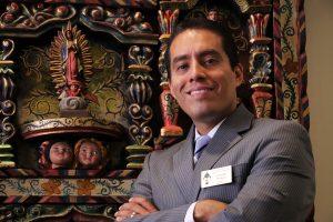 Cristofer Pereyra es el nuevo director de la Oficina de la Misión Hispana de la Diócesis Católica de Phoenix. Foto: Cortesía/Mixed Voces
