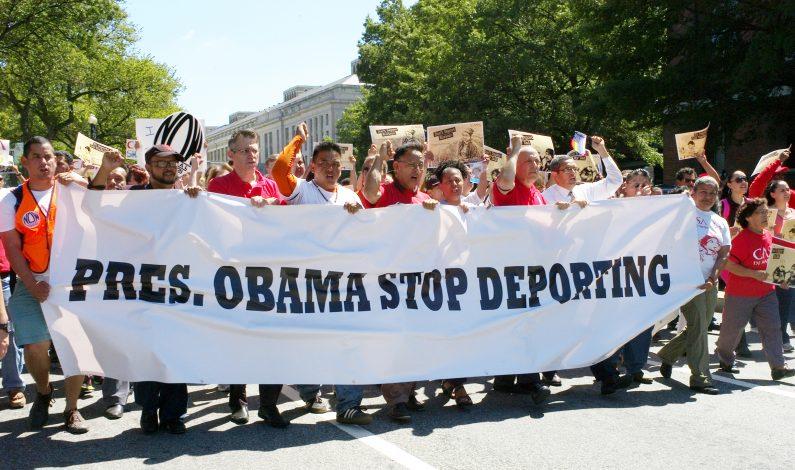 Analiza EU ampliar freno a deportación