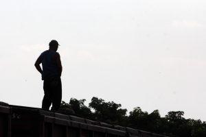 Entre los detenidos se encuentran presuntos traficantes de humanos. Foto: Notimex