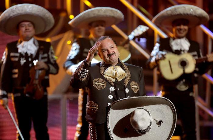 Pepe Aguilar recibirá hoy un Premio a la Herencia Hispana