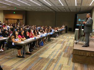 Tommy Espinoza, presidente de RDF, fue uno de los oradores inaugurales la mañana de este jueves en el Centro de Convenciones de Phoenix. Foto: Sam Murillo/Mixed Voces