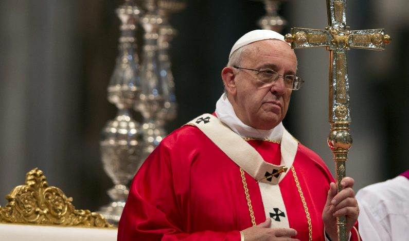 Papa aprueba juzgar a obispos por negligencia en casos de abuso