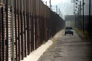 La denuncia detalla como agentes de la Oficina de Aduanas y protección Fronteriza (CBP) y de la Oficina de Inmigración y Aduanas (ICE) toman las pertenencias de los inmigrantes y no proporcionan un procedimiento eficaz para recuperarlos. Foto: Notimex