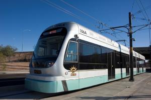 De acuerdo a lo planeado la expansión del tren ligero en el sur de Phoenix se llevará a cabo el próximo año. Foto: Cortesía