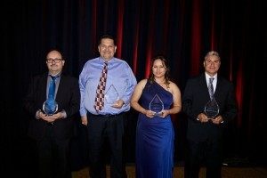 Los profesores Jesús Arrizon, Manuel Gaviña, Erika Parra y Margarito Casillas fueron los ganadores de los Premios Eperanza.