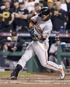 Brandon Crawford batea un grand slam en el cuarto inning. Foto: AP