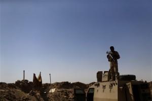 Las fuerzas iraquíes y las milicias chiítas lanzaron la semana pasada una ofensiva en Al Anbar para recuperar la capital Ramadi. Foto: AP
