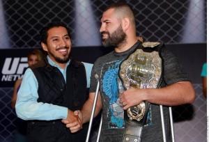 El gladiador de 32 años de edad posee una marca profesional de 13-1 y es considerado uno de los mejores cinco peleadores libra por libra del mundo. Foto: Agencia Reforma