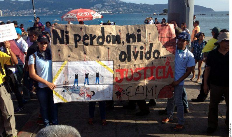 Mexicanos en Roma se unen a protestas por Ayotzinapa
