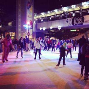 Grandes y chicos podrán divertirse patinando en el centro de Phoenix. Foto: Cortesía Cityscape