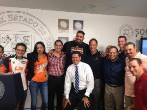 """Representantes de los Suns, D-backs y Nascar de Phienix visitan Hermosillo en el """"All Star Tour"""". Foto: Codeson"""