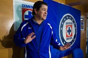 Luis Fernando Tena espera vencer a Pumas. Foto: Notimex