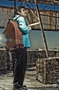 El cantante y compositor mexicano Celso Piña se presentará en el evento. Foto: Notimex