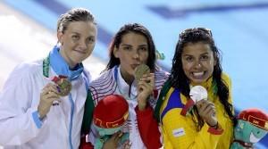 La nadadora mexicana Fernanda González obtuvo la medalla de oro en los 100 metros dorso. Foto: Notimex