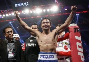 Un sonriente Manny Pacquiao celebra su victoria sobre Algieri. Foto: AP