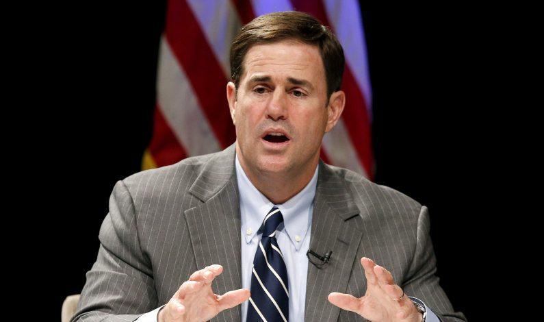 Ducey desaprueba decisión de Obama; pide asegurar la frontera