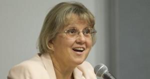 Diane Douglas, se perfilaba el lunes como la virtual ganadora en la contienda por la Superintendencia de Instrucción Pública de Arizona. Foto:AP