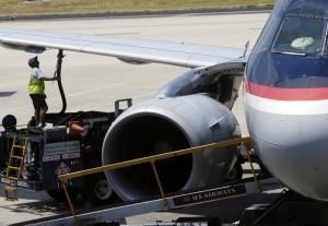 En los 12 meses que culminaron en septiembre, las aerolíneas estadounidenses se ahorraron 1.600 millones de dólares en combustible. Foto: AP