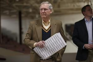 Mitch McConnell, líder de la mayoría en el Senado. Foto: AP