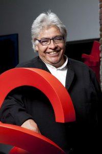 Enrique Carbajal se especializa en la construcción de escultura monumental. Foto: Suministrada