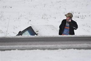 Varias  carreteras importantes fueron cerradas y numerosas escuelas cancelaron las clases. Foto: AP