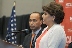 Janet Murguía pidió a Barack Obama actuar de inmediato en material de inmigración. Foto: Phil Soto