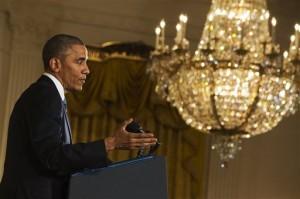 El mandatario presentó sus acciones ejecutivas como una forma de alentar a los republicanos a aprobar su propia reforma de las leyes de inmigración. Foto: AP