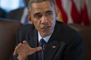 """Obama habla de ayudar a los inmigrantes a """"legalizarse"""" sin una ley del Congreso, y promete controlar un sistema que dice deporta indebidamente a muchos. Foto: AP"""