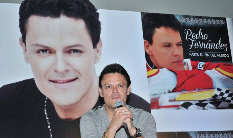 Pedro Fernández estrena disco y espera feliz a su nieto