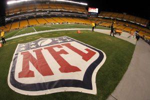 Previo a la creación de la NFL ya se jugaban encuentros de fútbol americano profesional en el Día de Acción de Gracias. Foto: AP