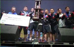 Los Xolos de Tucson levantan el trofeo como campeones de la Copa Food Cuty 2014. Foto: Especial