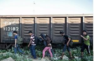 """Al Hussein dijo que muchos países parecen ver a los migrantes como """"indignos de los derechos humanos"""". Foto: Agencia Reforma"""
