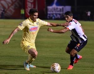 Las Águilas del América prácticamente sepultaron las aspiraciones de Rayados de Monterrey, de llegar a la Final, al golearlos 3-0, en el partido de ida de la semifinales de la Liga MX, en el estadio Tecnológico. Foto: Notimex