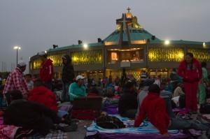 Desde principios de esta semana miles de peregrinos comenzaron a llegar a la Basílica de Guadalupe. Foto: Notimex