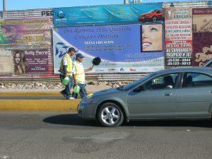 San Luis Río Colorado es la única ciudad de la frontera donde se había permitido que se usara el cerco para colocar publicidad. Foto: Notimex