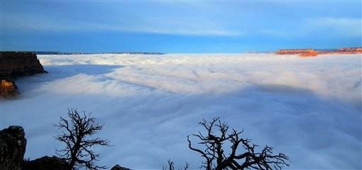 """Las nubes """"inundan"""" el Gran Cañón del Colorado"""