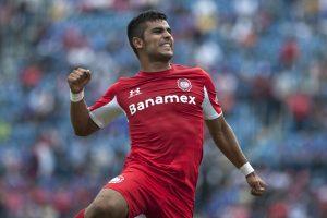 Miguel Ponce y el Toluca quieren domar a los Tigres en la Liguilla. Foto: AP
