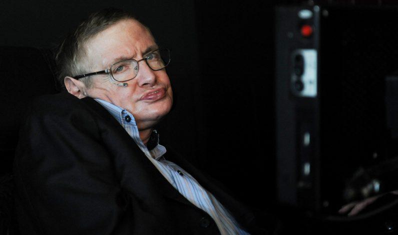 Inteligencia artificial reemplazaría a humanos: Stephen Hawking