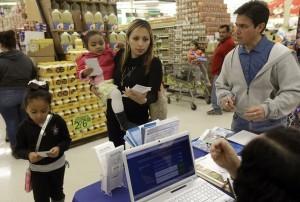 En Arizona los hispanos representan 30% de la población y 24% de los enrolados en el seguro de salud. Foto: AP