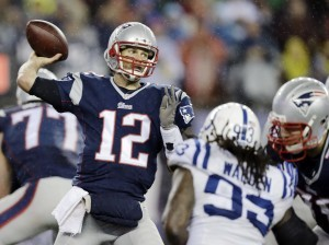 """Una investigación determinó que Brady """"al menos tenía una idea"""" de los planes de dos empleados de preparar los balones a su gusto. Foto: AP"""
