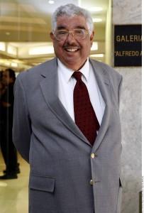 """En el libro, Aguirre califica de """"canallada"""" el hecho de que Villagrán y De las Nieves hayan registrado los nombres de sus personajes como propios. Foto: Agencia Reforma"""