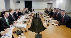 Los gobiernos de Estados Unidos y Cuba han sostenido ya cuatro reuniones para negociar la apertura de embajadas tras un paréntesis de medio siglo. Foto: AP