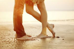 Aunque es común que las relaciones sufran altibajos, es importante dedicarle tiempo y atención a la pareja. Foto: iStock