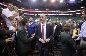 El proceso de clasificación a los playoffs podría ser el siguiente enfoque de Silver luego de que la reforma a la lotería del draft no pudo concretarse en octubre. Foto: AP