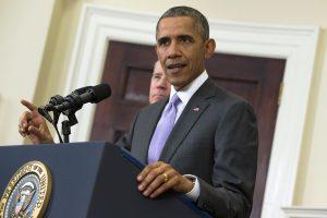 Barack Obama anunció el 20 de noviembre un paquete de medidas administrativas para ofrecer alivio migratorio a hasta cinco millones de inmigrantes indocumentados. Foto: AP