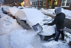 Nueva Inglaterra y partes del estado de Nueva York amanecieron el lunes cubiertos de una nueva capa de nieve. Foto: AP