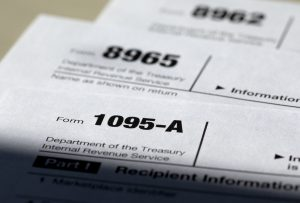 Autoridades alertan a los contribuyentes sobre fraudes telefónicos relacionados con la declaración de impuestos. Foto: AP