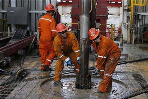 Baja del petróleo: Golpe a reformas energéticas mexicanas
